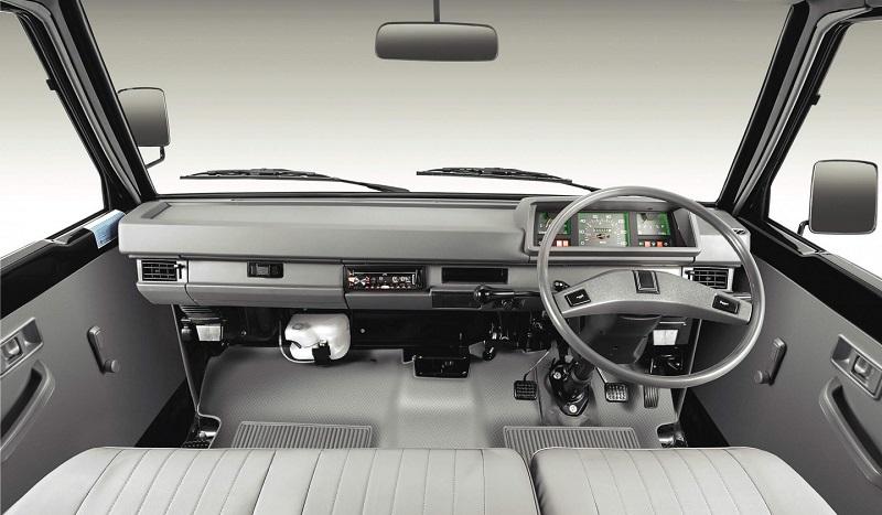 kelebihan mitsubishi l300 - interior