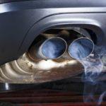 Penyebab Knalpot Mobil Keluar Asap Putih
