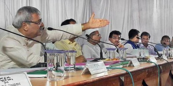 MLA pulls up Horticulture Dept. officials for not releasing funds to lemon growers