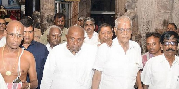 Deve Gowda dismisses exit poll findings