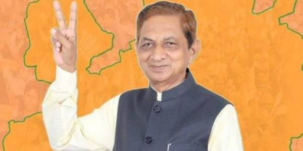"""""""Did you vote for me?"""": Gujarat Minister to women facing water woes"""