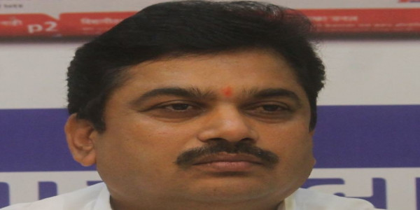 Video of Maharashtra minister peeing by roadside goes viral; NCP takes a dig at Swachh Bharat Abhiyan