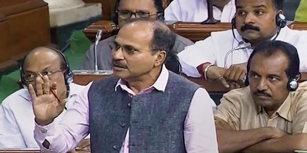 सोनिया-राहुल की SPG सुरक्षा हटाने पर संसद में हंगामा, कांग्रेस ने दिया वाजपेयी का हवाला
