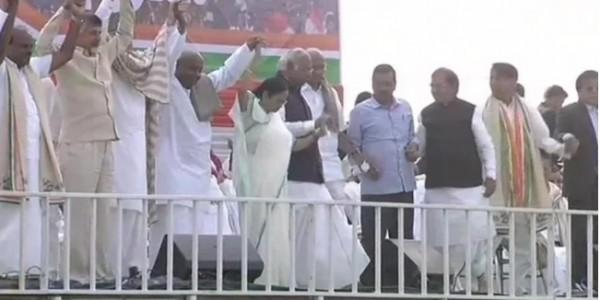 kejriwal akhilesh yadav and n. chandrababu naidu comment on modi shah