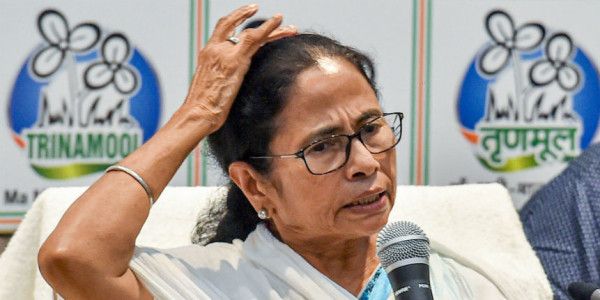 Aparna Sen, Other Actors Write to Mamata Banerjee to Resolve Teachers' Stir in a Democratic Manner