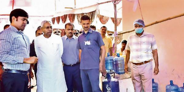 बाढ़ का कहर : सीएम का निर्देश, दुर्गम इलाकों में हेलीकॉप्टर से पहुंचाएं भोजन