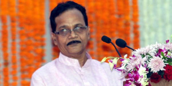भाजपा मंत्री के सामने हुई उनके पीए की धुलाई, 10 लाख रुपये घूस लेने का आरोप