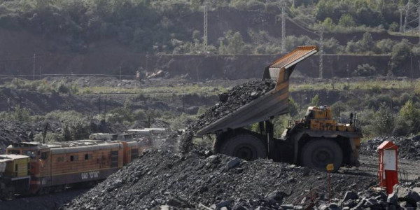 mining-dependents-march-to-goa-transport-ministers-residence