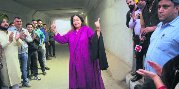 Kher opens rail underbridge at Mani Majra