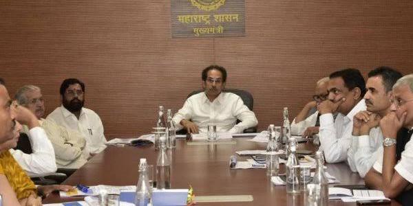 उद्धव ने बदले जयंत पाटील और छगन भुजबल के मंत्रालय
