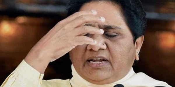 एग्जिट पोल के बाद मायावती की बड़ी कार्रवाई, करीबी नेता को दिखाया बाहर का रास्ता
