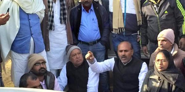 कांग्रेस की पदयात्रा को पुलिस ने रोका, केएन त्रिपाठी हिरासत में
