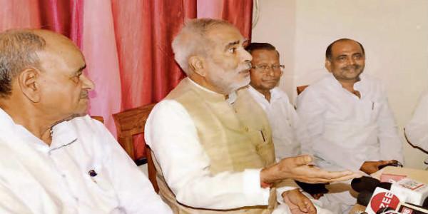 भाजपा को हराने के लिए नीतीश से परहेज नहीं : रघुवंश