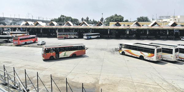 Telangana bus strike: TSRTC union leaders ready to talks with KCR govt