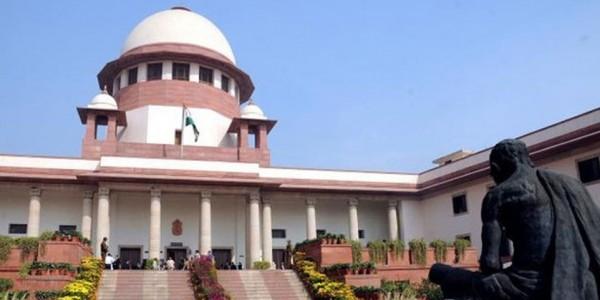 अन्नाद्रमुक के दो विधायकों के खिलाफ अयोग्यता की कार्यवाही पर उच्चतम न्यायालय ने लगाई रोक