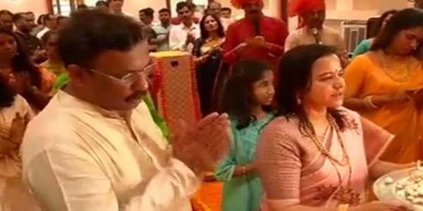 गणेश चतुर्थीः मंत्री विनोद तावड़े के घर आए ईको फ्रेंडली गणपति बप्पा
