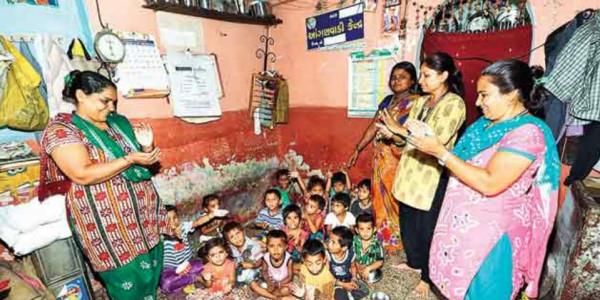 ministry of women and child development  beneficiaries anganwadi in  maharashtra