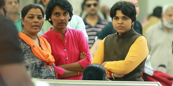 Activist Trupti Desai aborts plan to visit Sabarimala amid protests, vows to return without notice
