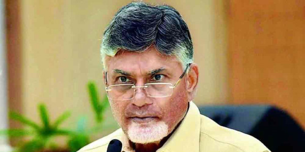 400 TDP men booked for detaining cops at Naidu home