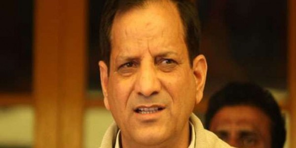 shimla-janmanch-in-kullu-civil-supply-minister-kishan-kapoor-hits-out-at-officers-for-negligence