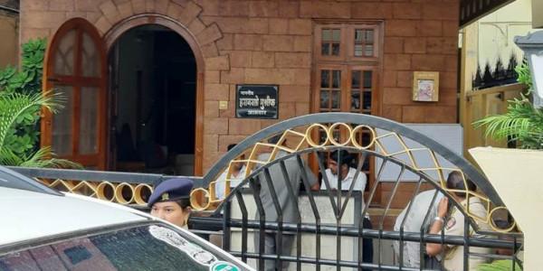 एनसीपी विधायक हसन मुश्रीफ के ठिकानों पर आयकर विभाग का छापा