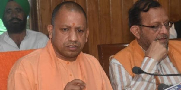 UP: 24 मंत्री लेंगे शपथ, CM योगी ने की संभावित मंत्रियों से मुलाकात
