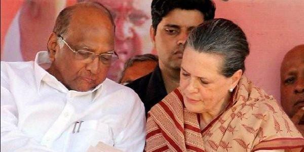 कांग्रेस नेता की सोनिया से मांग, शिवसेना के साथ बनाएं सरकार
