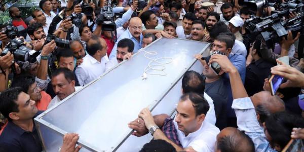 अलविदा शीला दीक्षित: अंतिम संस्कार से पहले कांग्रेस मुख्यालय में दी जाएगी सलामी