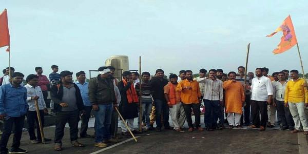 मराठा आरक्षण आंदोलन कई जिलों में हिंसक हुआ, कई घायल, आज मुंबई बंद