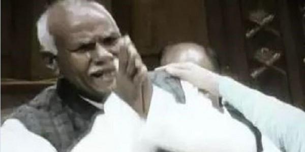 सपा विधायक कल्पनाथ पासवान ने कहा- 15 दिन में चोरी गया रुपया नही मिला तो आत्मदाह कर लूंगा