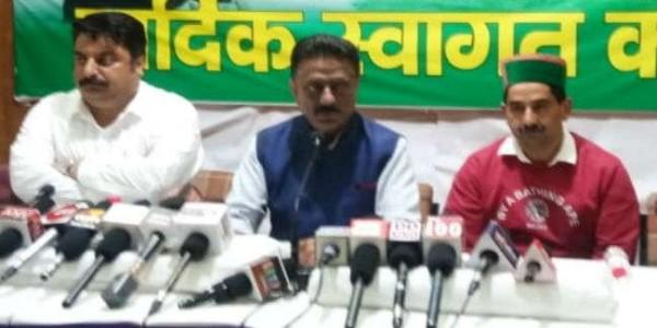 कांग्रेस ने बंजार बस हादसे में क्लीन चिट देने के बयान पर परिवहन मंत्री से मांगा इस्तीफा