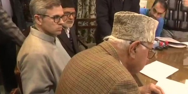 श्रीनगर से कांग्रेस और नेशनल कॉन्फ्रेंस गठबंधन सीट से फारूक अब्दुल्ला ने भरा नामांकन
