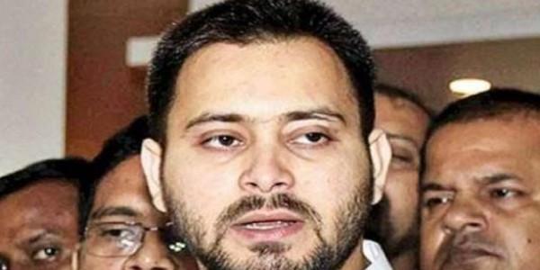 IRCTC टेंडर घोटाला : दिल्ली रवाना हुए तेजस्वी, पटियाला हाउस कोर्ट में कल है उनकी पेशी