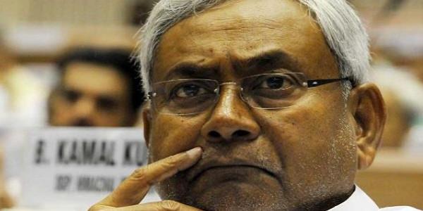 केरल में 'मौत' की बाढ़, CM नीतीश ने किया 10 करोड़ रुपये की मदद का एेलान