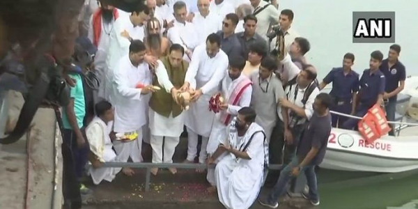 Late Atal Bihari Vajpayee's Ashes immersed in Sabarmati River in Ahmedabad