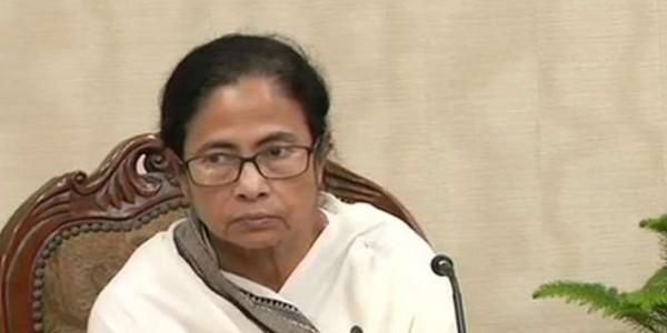 पश्चिम बंगाल में 'कट मनी' पर बवाल जारी, TMC नेता ने वापस किए घूस के 2.25 लाख