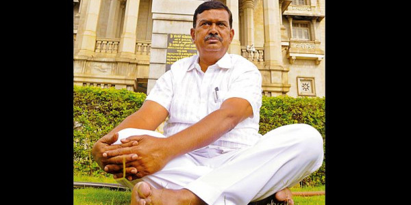 Mayakonda Congress MLA abuses senior IAS officer, tries to assault him