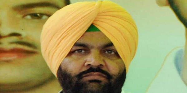 MP sheltering blast accused: Majithia