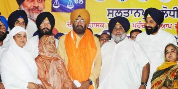AAP leader joins Akali Dal