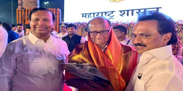 MK Stalin greets Uddhav Thackeray as Maha CM, hails Pawar's role