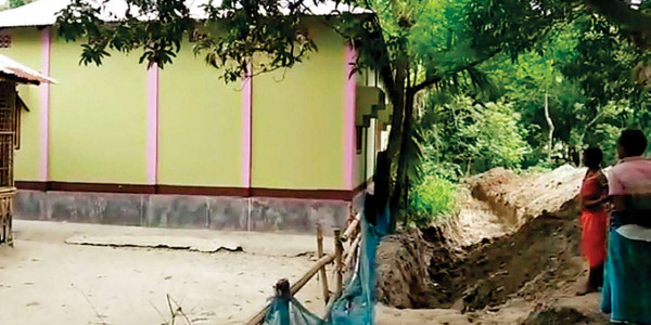 West Bengal: Villagers cut off bully with trench