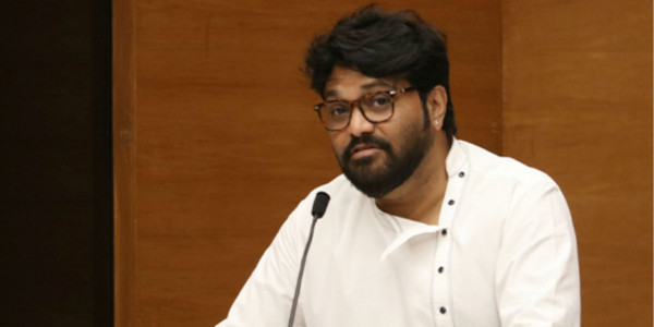 Babul Supriyo Faces Protest at the Jadavpur University in Kolkata