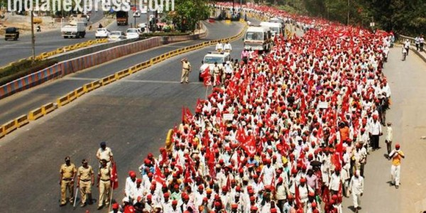 Not satisfied by Maharashtra CM's assurances, farmers to go ahead with march
