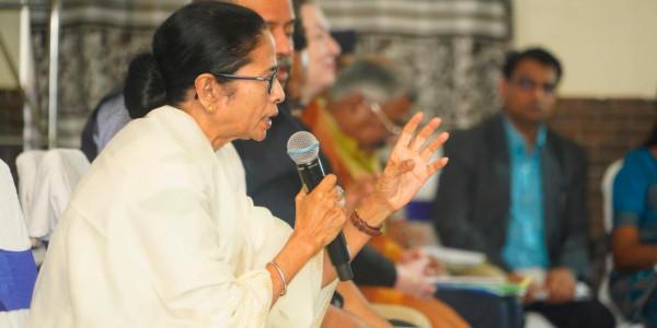 Mamata Banerjee Blames BJP Govt for the Death of 5 Labourers in Kashmir