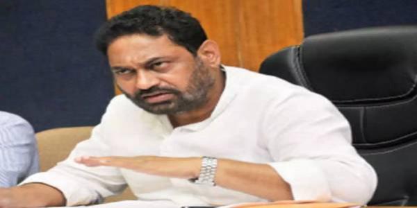 महाराष्ट्र के पूर्व मंत्री नितिन राउत ने प्रधानमंत्री को उपहार में मिली आंबेडकर की प्रतिमा की नीलामी का किया विरोध