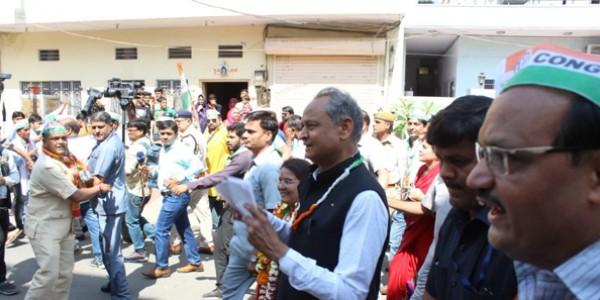 news-ashok-gehlot-road-show-in-jaipur-news-hindi