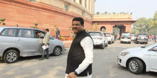 Oil and gas sector: 13 projects worth Rs 100 crore & above underway in Maharashtra