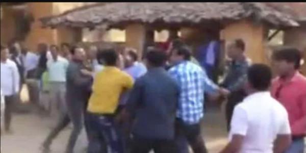 नगरीय निकाय चुनाव: कटघोरा SDM कार्यालय के सामने कांग्रेस कार्यकर्ता आपस में भिड़े
