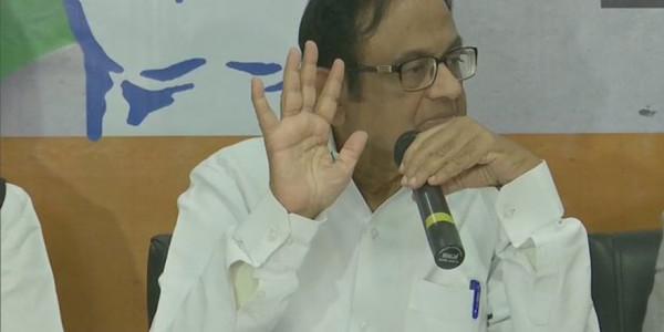 पी. चिदंबरम ने हैदराबाद एनकाउंटर से लेकर ग्रोथ रेट तक केंद्र सरकार को घेरा