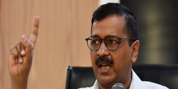 दिल्ली सरकार Vs एलजी: अधिकारों की लड़ाई में मिले झटके बाद AAP का फिल्मी बयान, कहा- तारीख पर तारीख